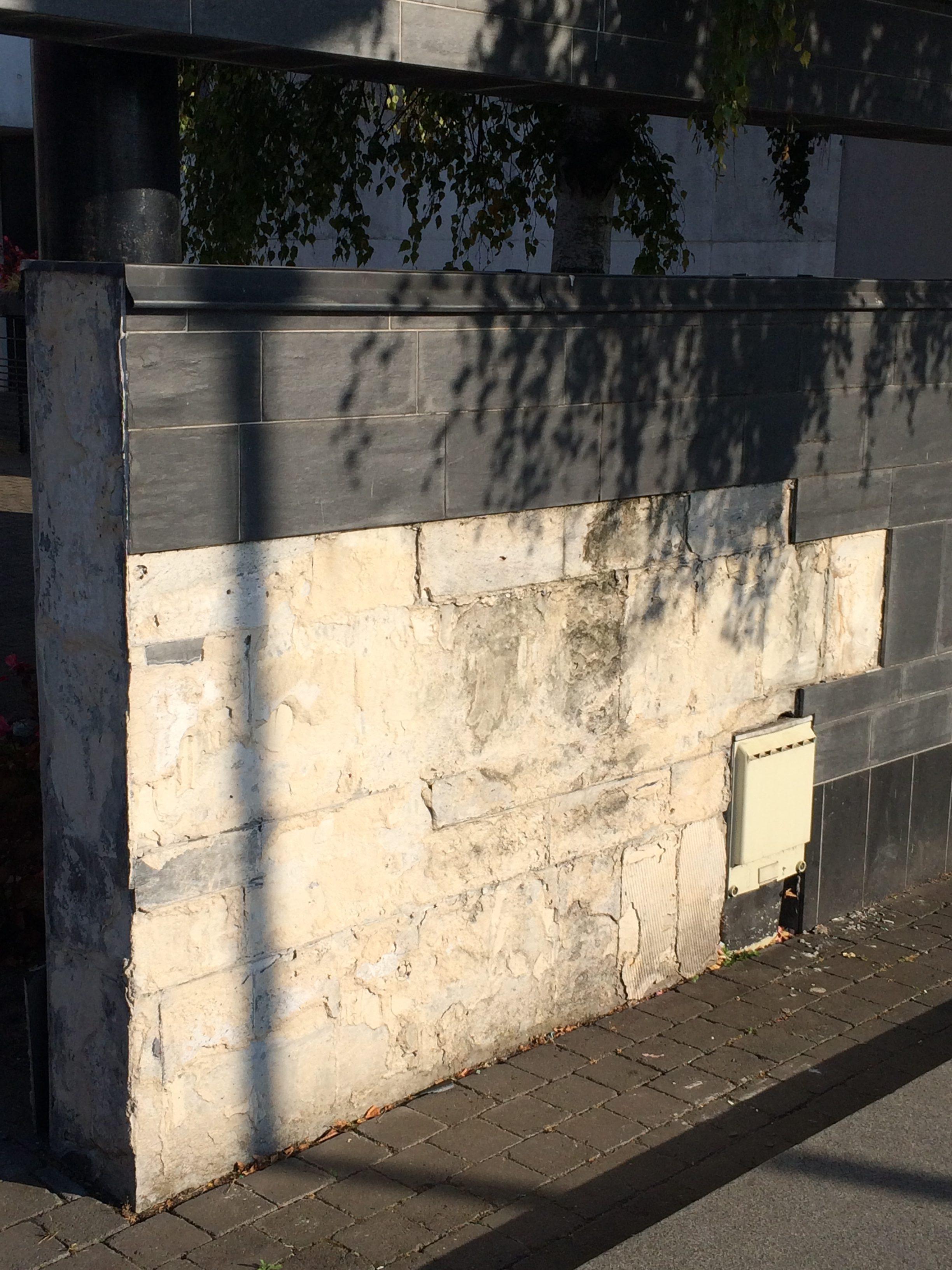 L'arrière de notre mairie totalement dégradée